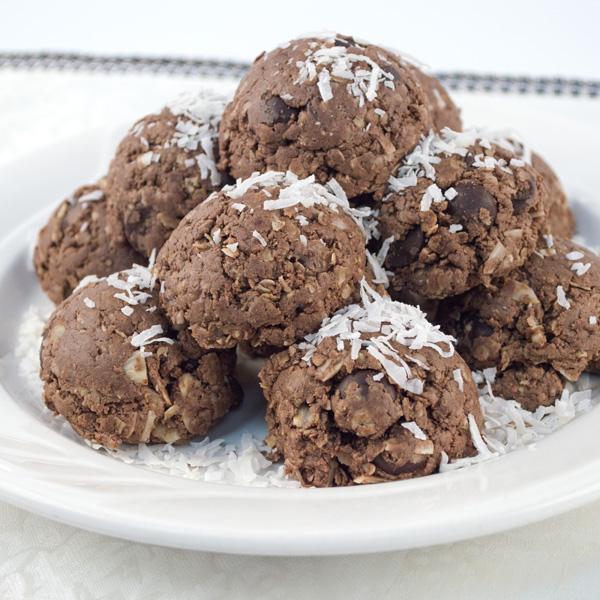 Healthy Course - Almond Coconut Protein Balls